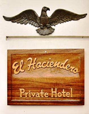 EL HACIENDERO PRIVATE HOTEL