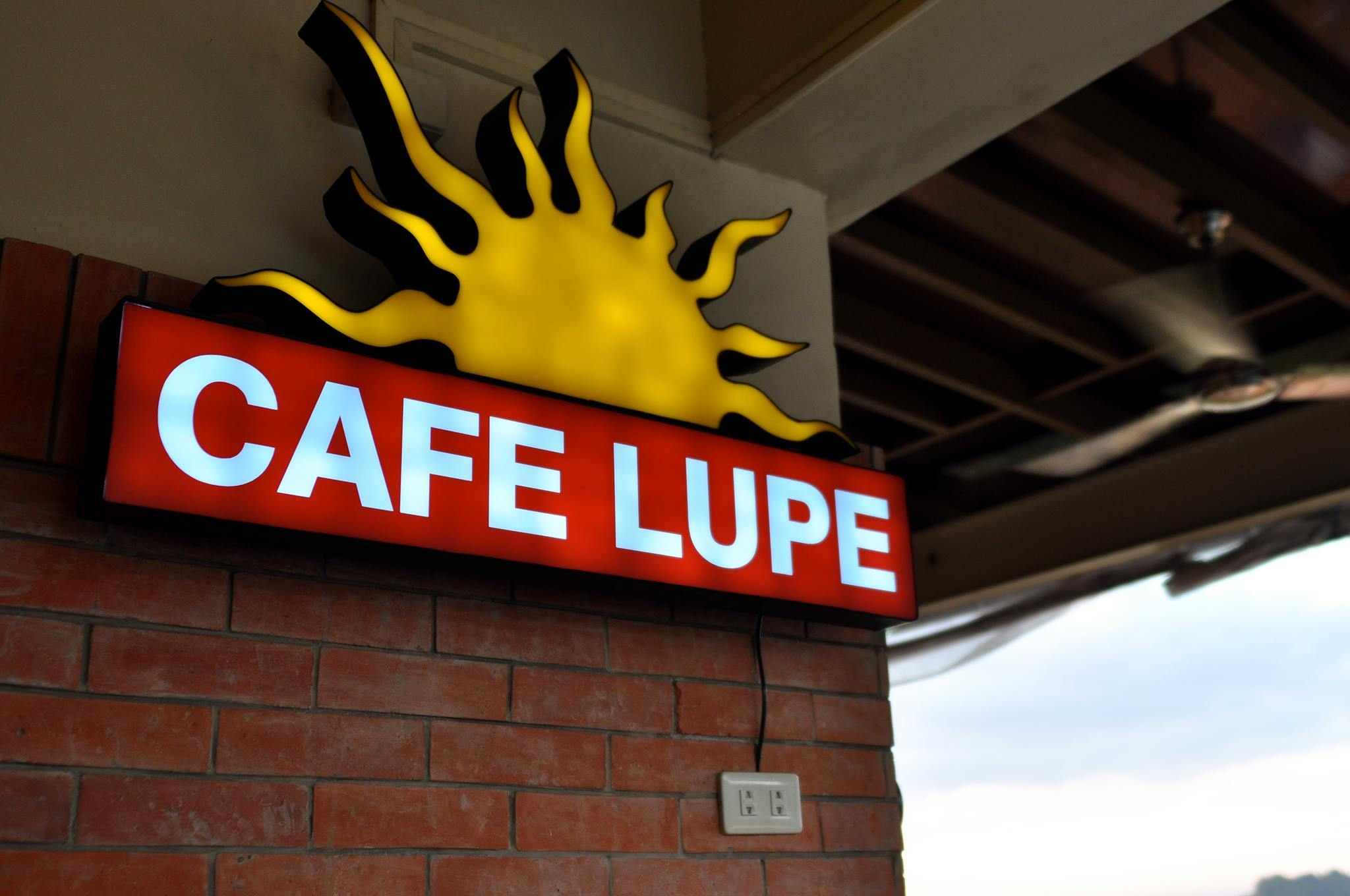 Cafe Lupe Hostel & Restaurant - Antipolo
