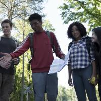 """Survival Of Strong And Powerful Kids Threatened In """"The Darkest Minds"""""""