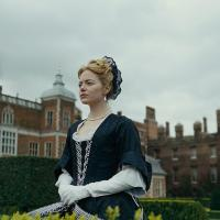 "Emma Stone In The Midst Of A Royal Love Triangle In Award-winning ""The Favourite"""