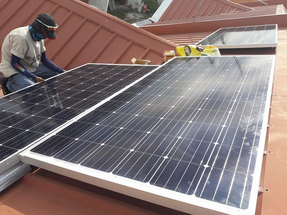 How To Become a Home Solar Installer