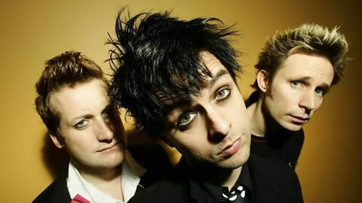 WAKE ME UP WHEN SEPTEMBER ENDS VOL. 2 - A GREEN DAY NIGHT